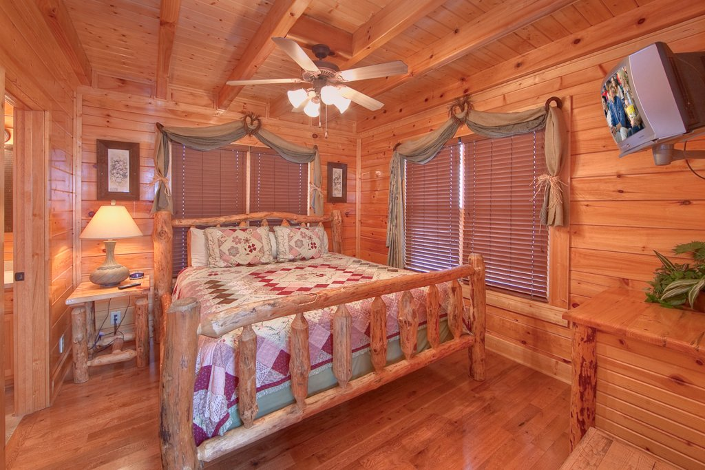 Photo of a Pigeon Forge Cabin named Endless Views (#54) - This is the tenth photo in the set.