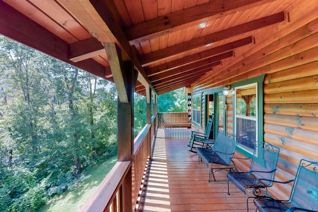Photo of a Gatlinburg Cabin named Triple Mountain View - This is the second photo in the set.