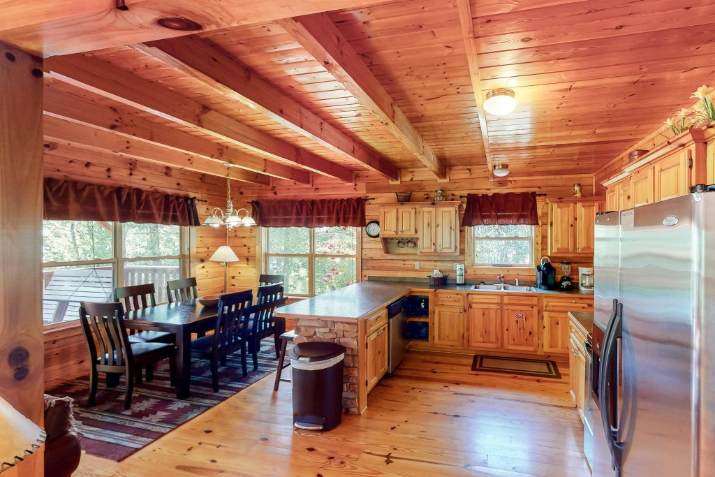 Photo of a Gatlinburg Cabin named Triple Mountain View - This is the tenth photo in the set.