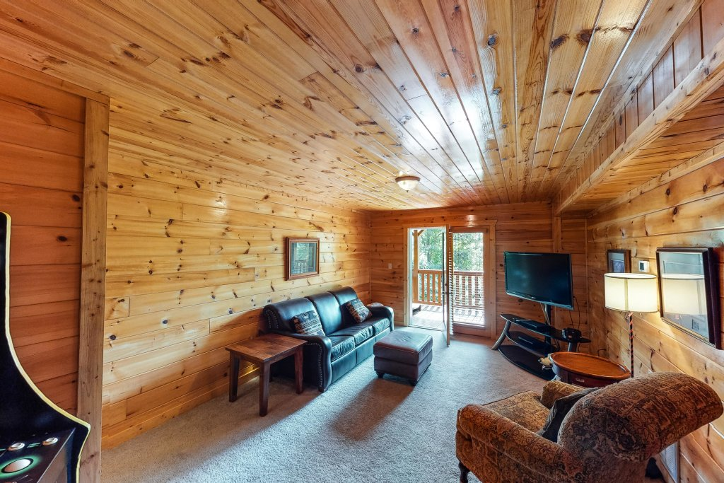 Photo of a Gatlinburg Cabin named Triple Mountain View - This is the twenty-fifth photo in the set.