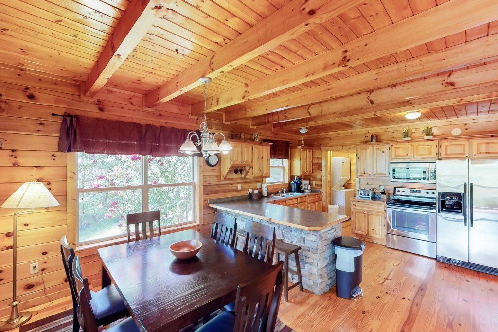 Photo of a Gatlinburg Cabin named Triple Mountain View - This is the ninth photo in the set.