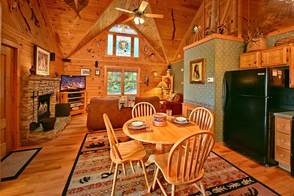 Photo of a Sevierville Cabin named Tonto's Tee Pee #123 - This is the twentieth photo in the set.