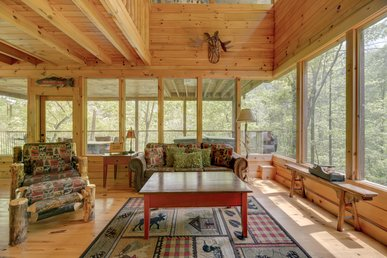 Secluded cabin tucked away in the woods, with fireplace, hot tub and pool access