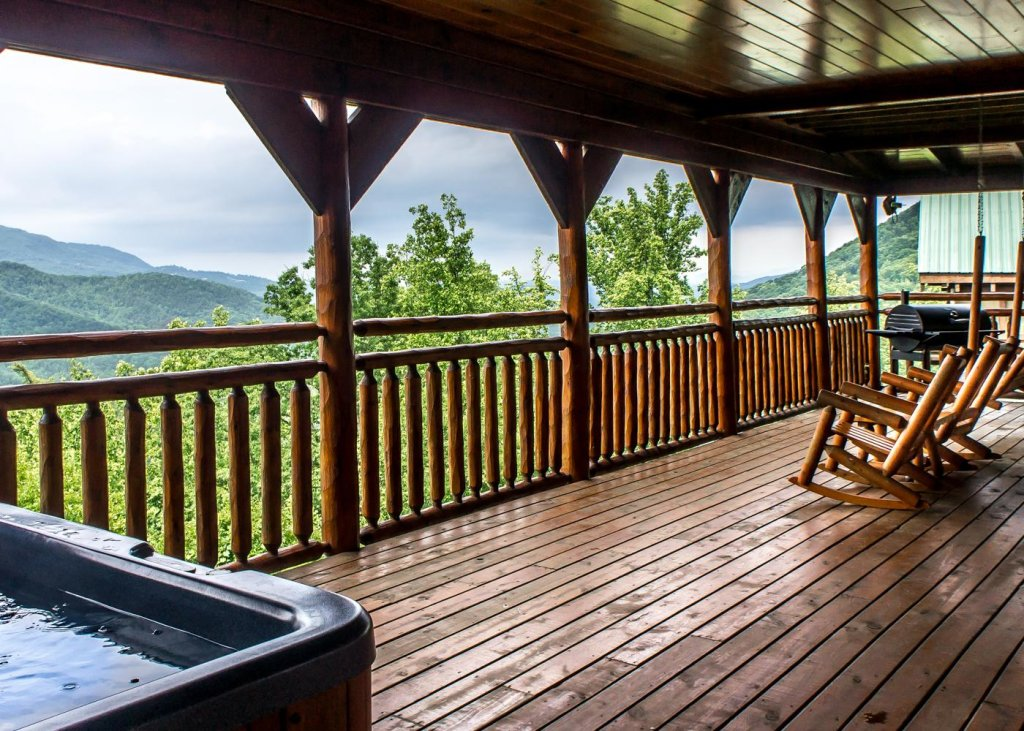 Photo of a Sevierville Cabin named The Honeymoon Sweet #63 - This is the first photo in the set.