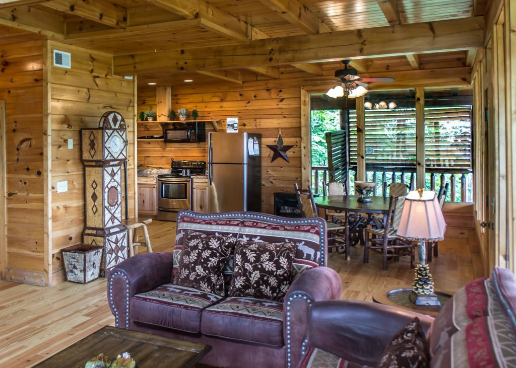 Photo of a Sevierville Cabin named The Honeymoon Sweet #63 - This is the fifth photo in the set.