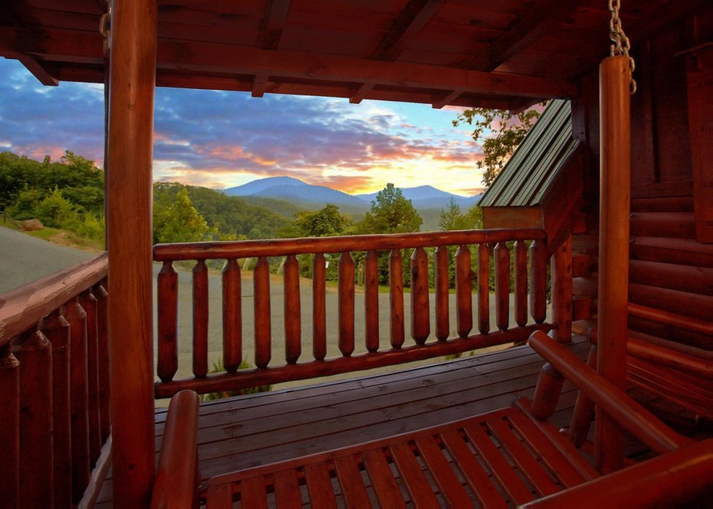 Photo of a Sevierville Cabin named Simply Breathtaking 36 - This is the third photo in the set.
