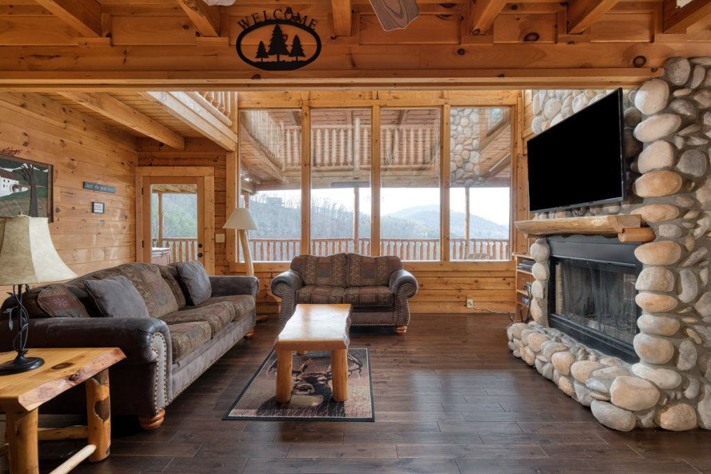 Photo of a Sevierville Cabin named Treetop Oasis 56 - This is the sixth photo in the set.