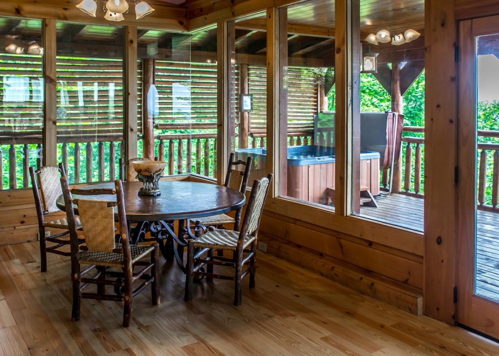 Photo of a Sevierville Cabin named The Honeymoon Sweet #63 - This is the ninth photo in the set.