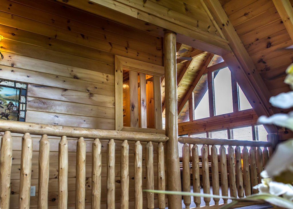 Photo of a Sevierville Cabin named The Honeymoon Sweet #63 - This is the fourteenth photo in the set.