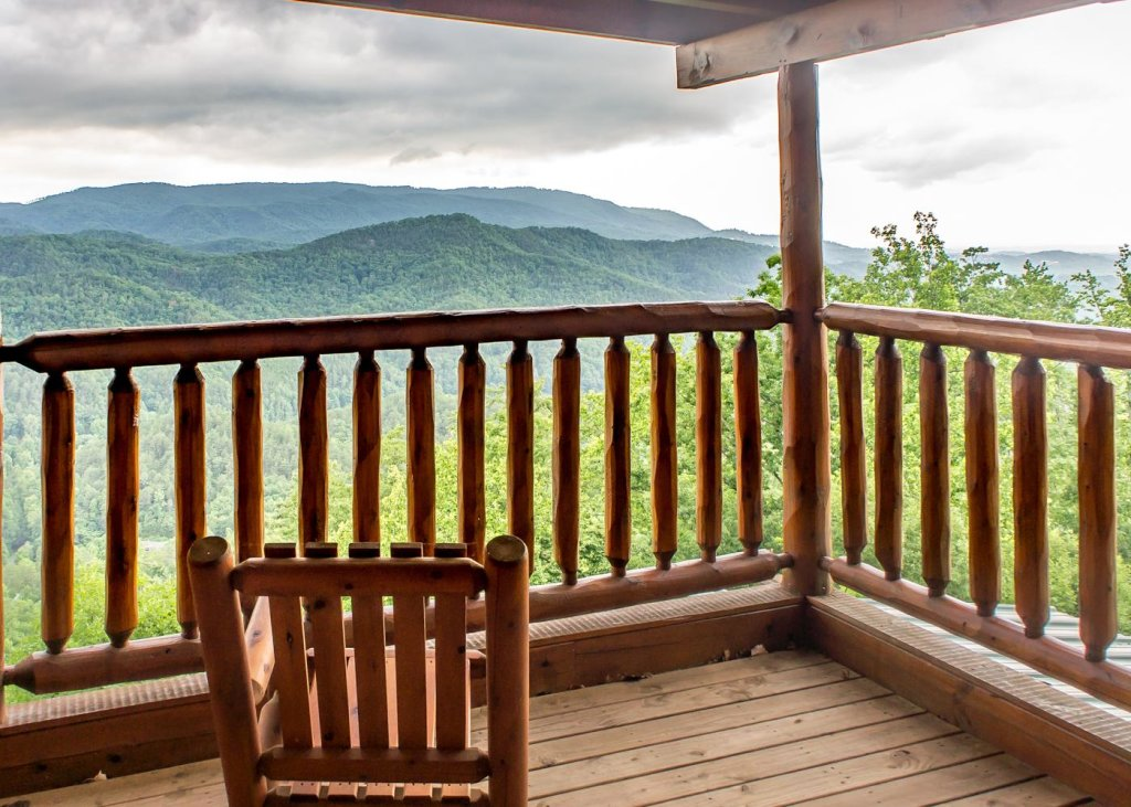 Photo of a Sevierville Cabin named The Honeymoon Sweet #63 - This is the third photo in the set.