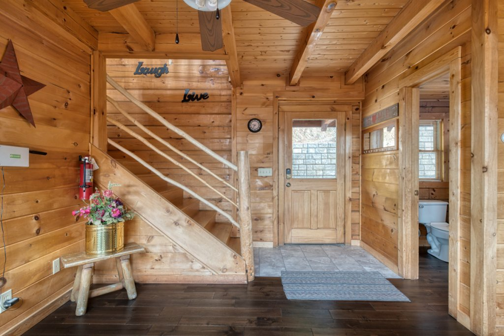 Photo of a Sevierville Cabin named Treetop Oasis 56 - This is the seventh photo in the set.