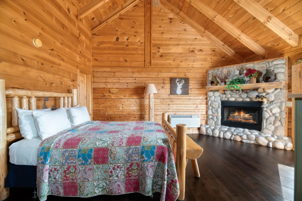 Photo of a Sevierville Cabin named Treetop Oasis 56 - This is the eleventh photo in the set.