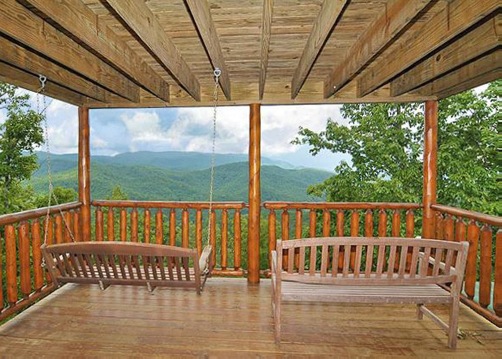 Photo of a Sevierville Cabin named Halfway To Heaven 40 - This is the thirteenth photo in the set.