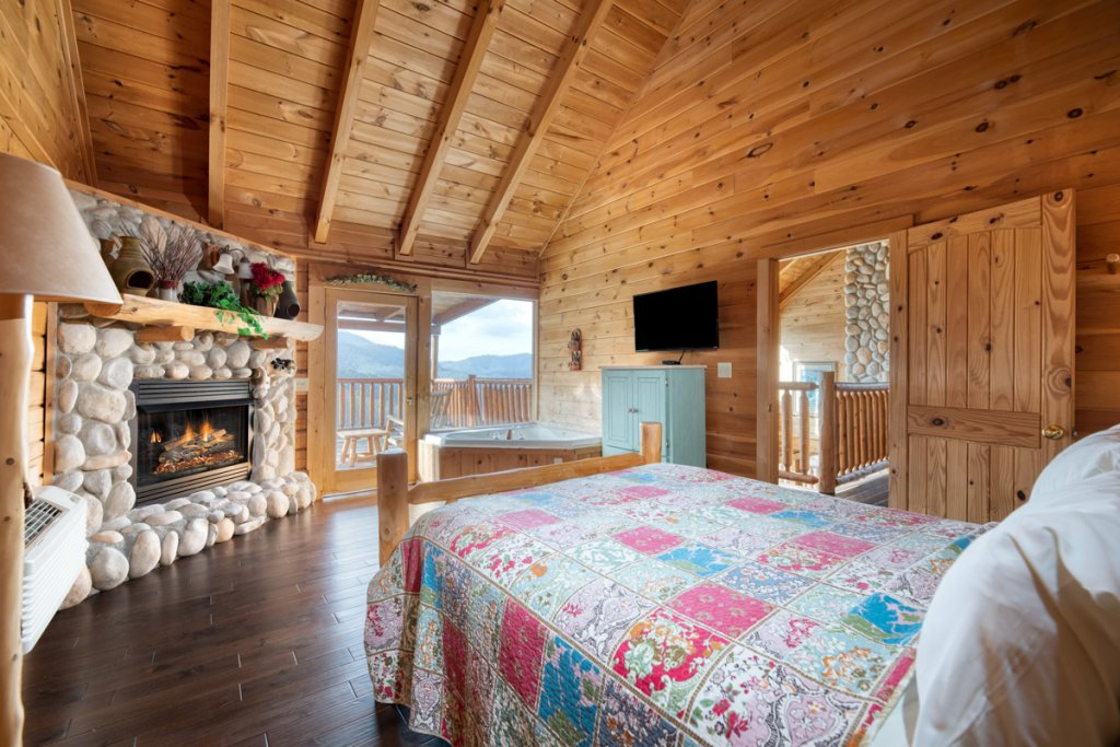 Photo of a Sevierville Cabin named Treetop Oasis 56 - This is the twelfth photo in the set.