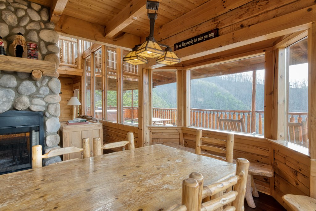 Photo of a Sevierville Cabin named Treetop Oasis 56 - This is the tenth photo in the set.