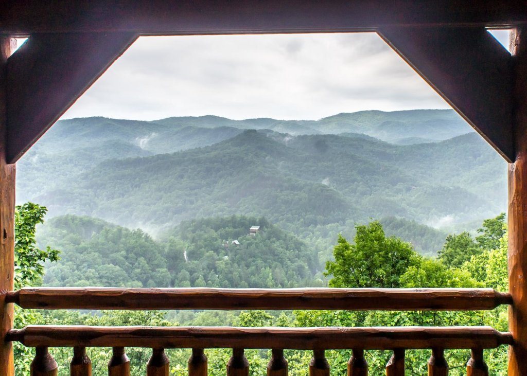 Photo of a Sevierville Cabin named The Honeymoon Sweet #63 - This is the nineteenth photo in the set.