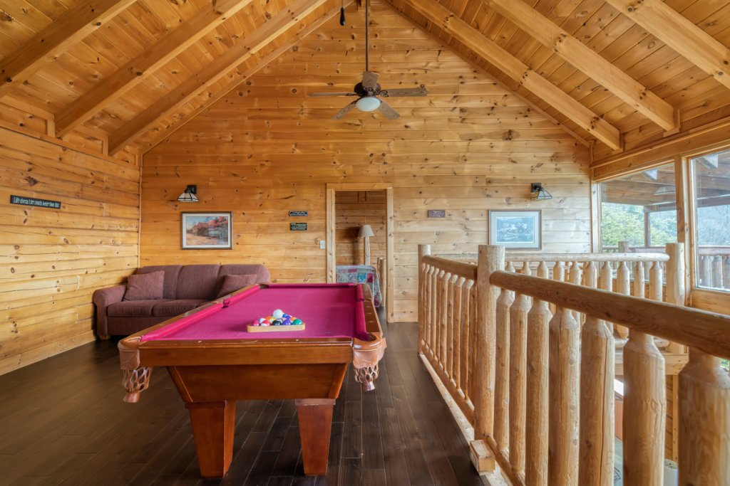 Photo of a Sevierville Cabin named Treetop Oasis 56 - This is the nineteenth photo in the set.