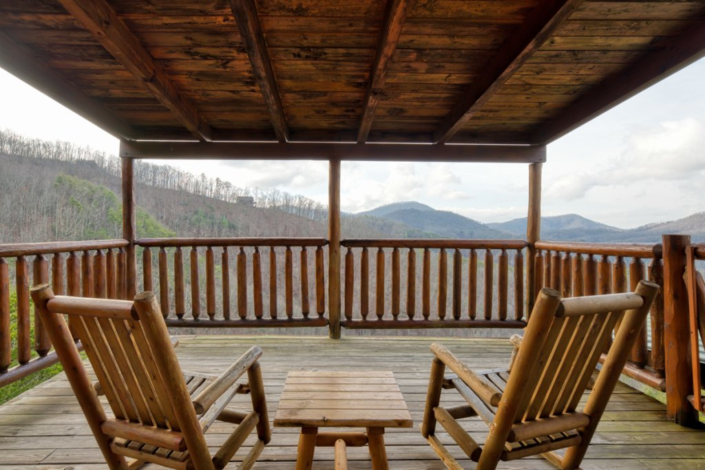 Photo of a Sevierville Cabin named Treetop Oasis 56 - This is the twenty-second photo in the set.