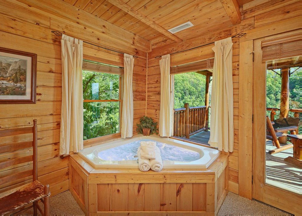 Photo of a Sevierville Cabin named Tranquility 53 - This is the eleventh photo in the set.