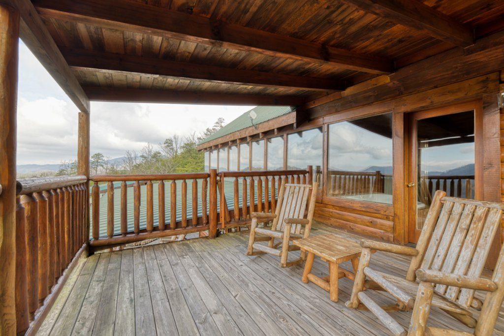 Photo of a Sevierville Cabin named Treetop Oasis 56 - This is the twenty-first photo in the set.