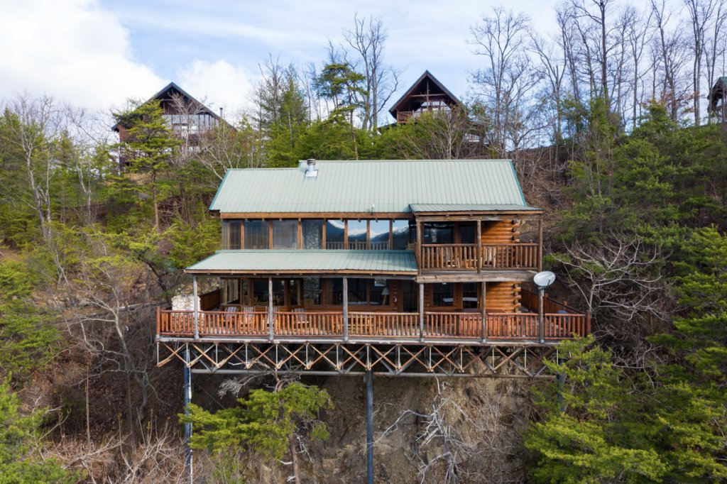 Photo of a Sevierville Cabin named Treetop Oasis #56 - This is the twenty-sixth photo in the set.