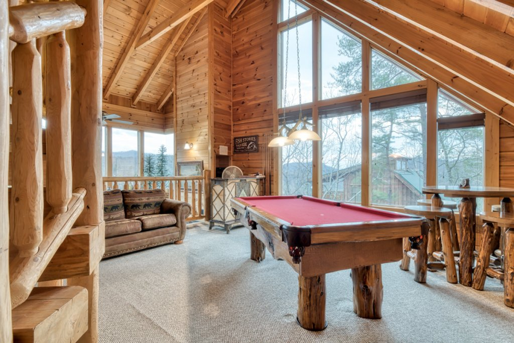 Photo of a Sevierville Cabin named Misty Mountaintop 52 - This is the third photo in the set.