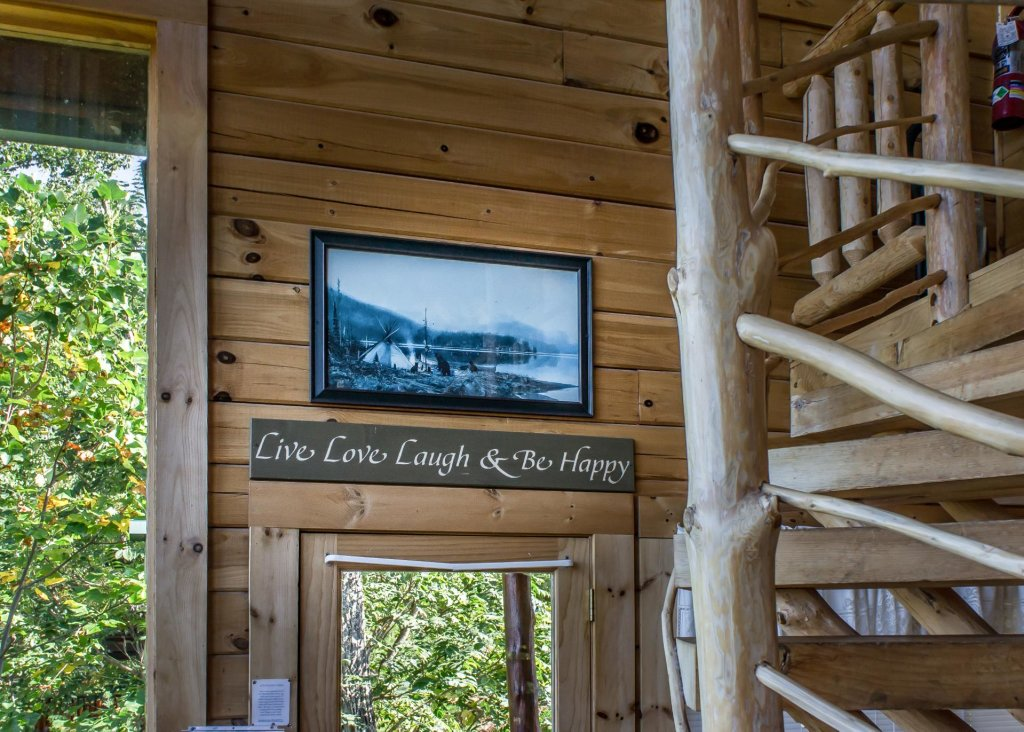 Photo of a Sevierville Cabin named Fox Ridge #37 - This is the ninth photo in the set.