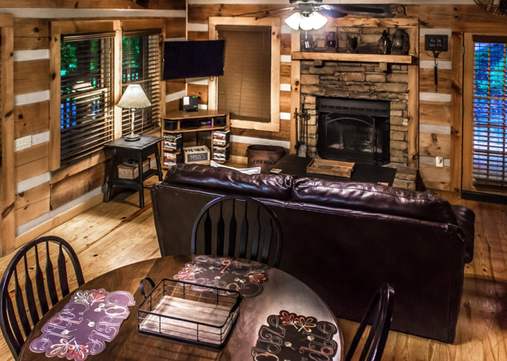 Photo of a Gatlinburg Cabin named Hatfield Hideaway - This is the fourth photo in the set.