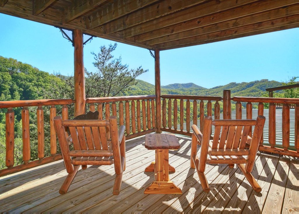 Photo of a Sevierville Cabin named Tranquility 53 - This is the twenty-second photo in the set.