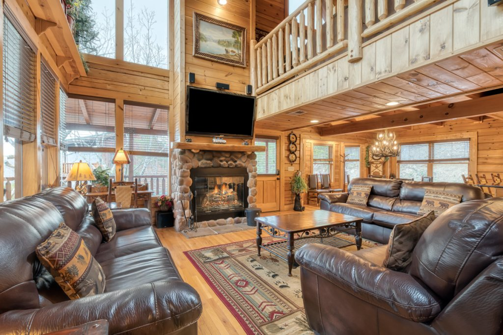 Photo of a Sevierville Cabin named Misty Mountaintop 52 - This is the sixth photo in the set.