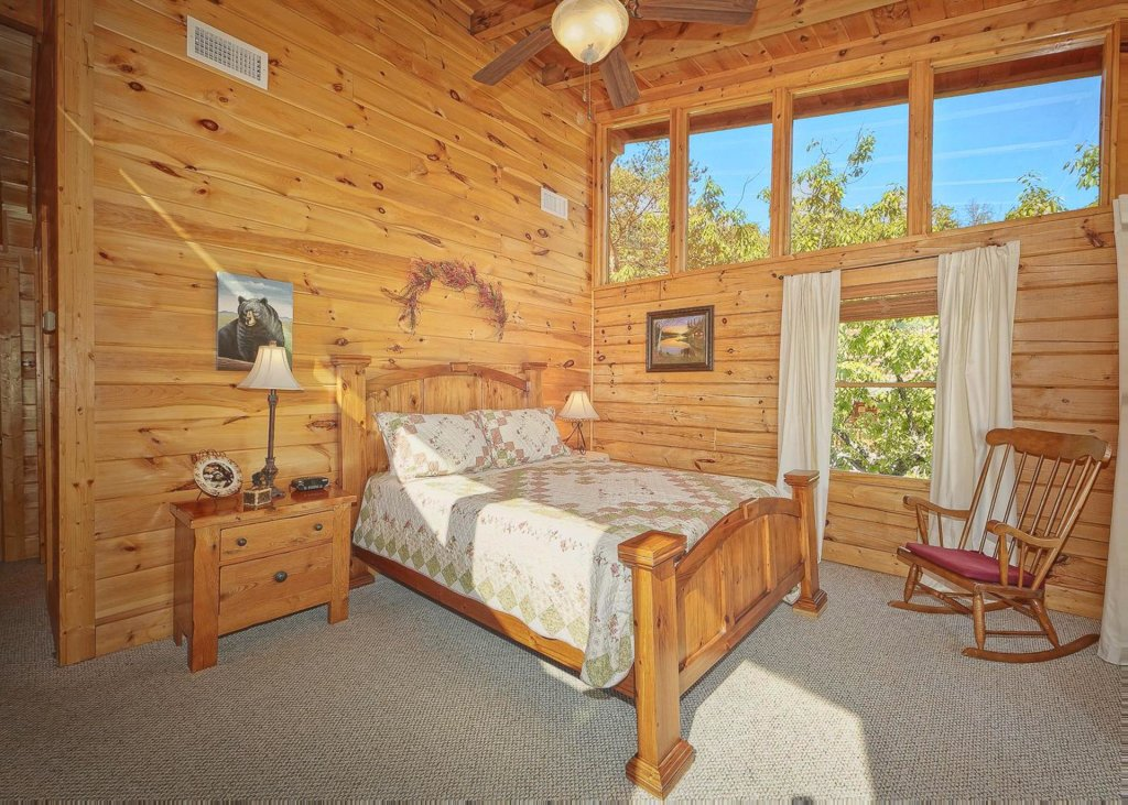 Photo of a Sevierville Cabin named Tranquility 53 - This is the fifteenth photo in the set.