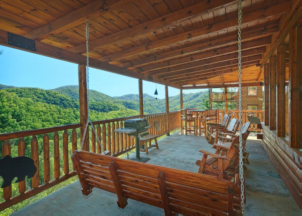 Photo of a Sevierville Cabin named Tranquility 53 - This is the nineteenth photo in the set.