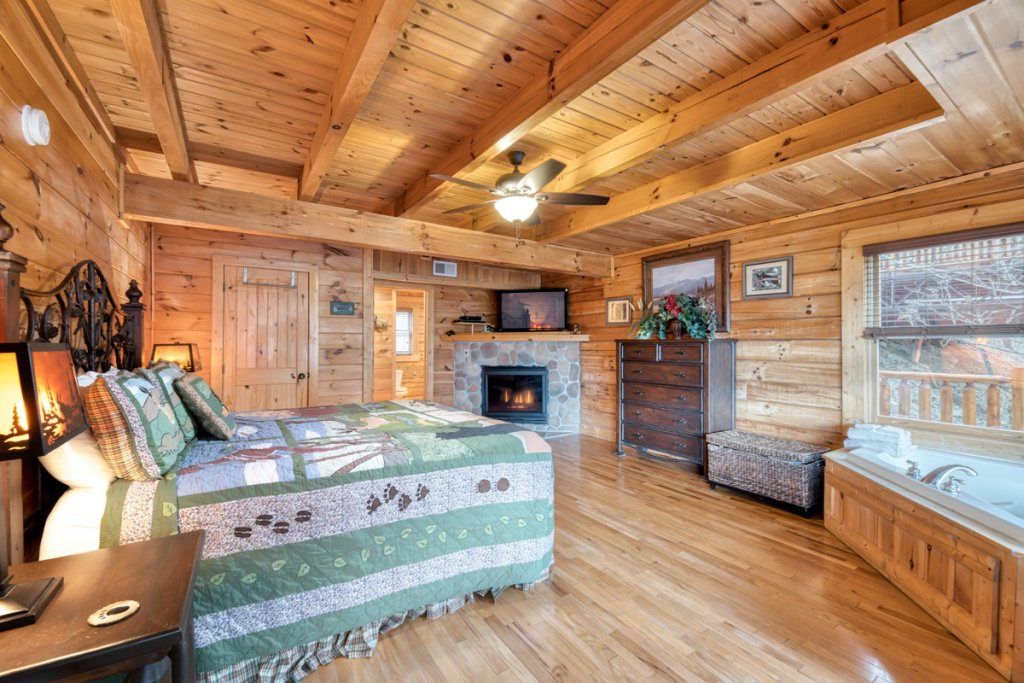 Photo of a Sevierville Cabin named Misty Mountaintop 52 - This is the fifteenth photo in the set.