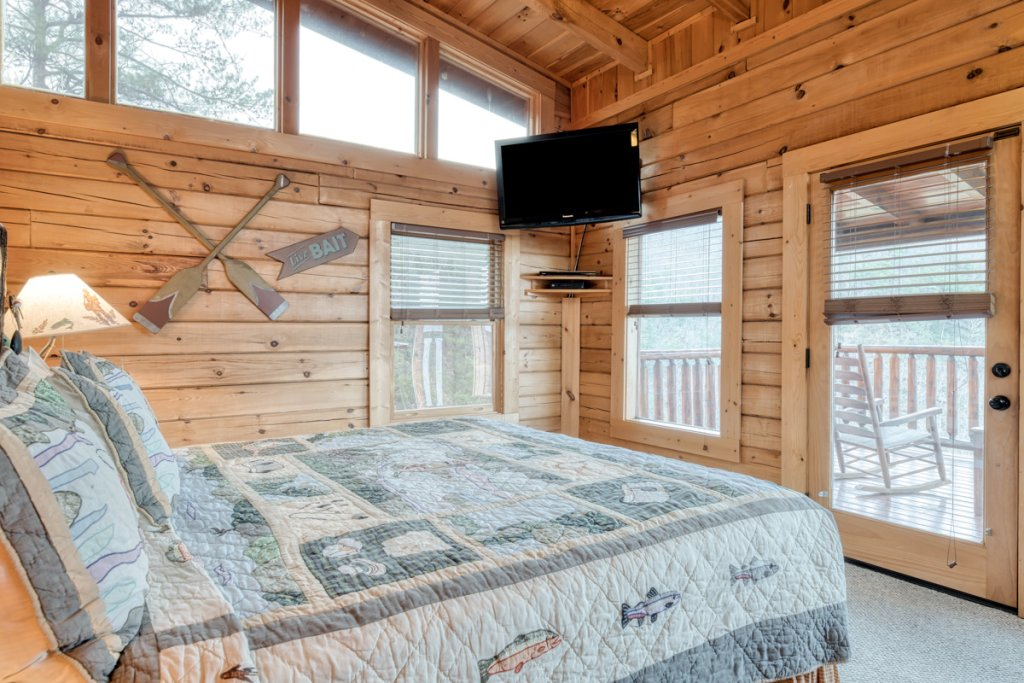 Photo of a Sevierville Cabin named Misty Mountaintop 52 - This is the twenty-fifth photo in the set.