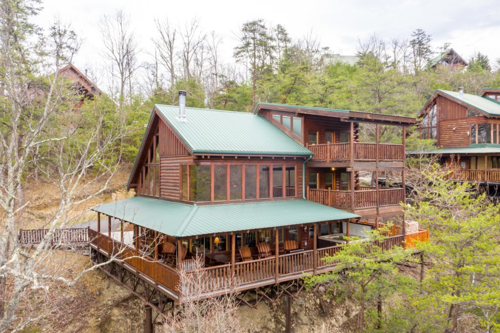 Photo of a Sevierville Cabin named Misty Mountaintop 52 - This is the thirty-ninth photo in the set.