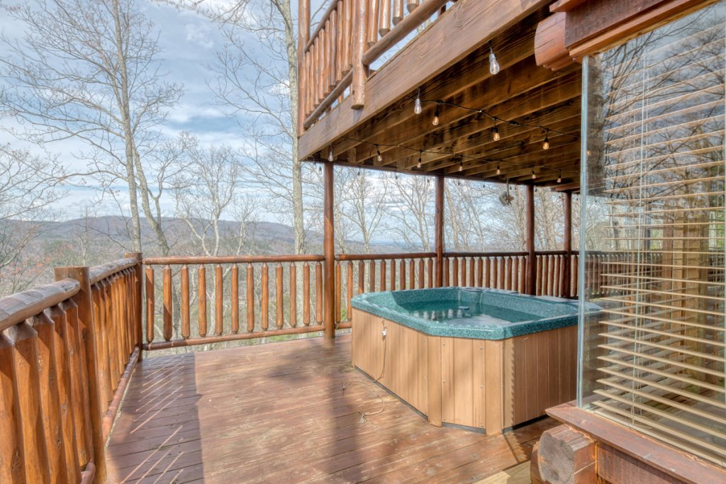 Photo of a Sevierville Cabin named Bear Track Inn 59 - This is the thirty-second photo in the set.