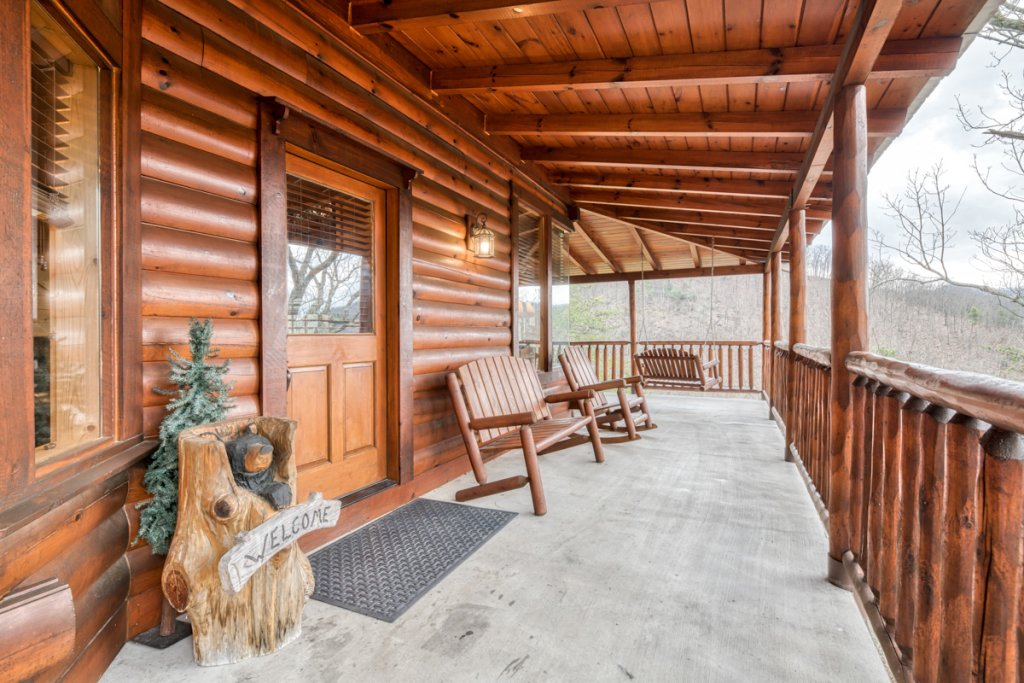 Photo of a Sevierville Cabin named Misty Mountaintop #52 - This is the thirty-second photo in the set.