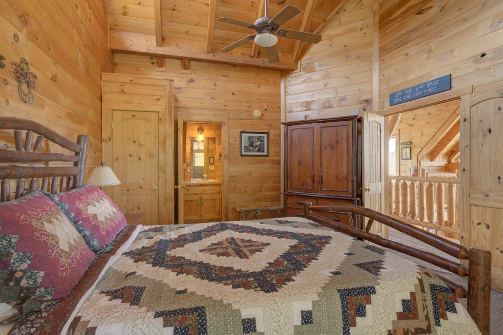 Photo of a Sevierville Cabin named Perfect Peace #46 - This is the nineteenth photo in the set.