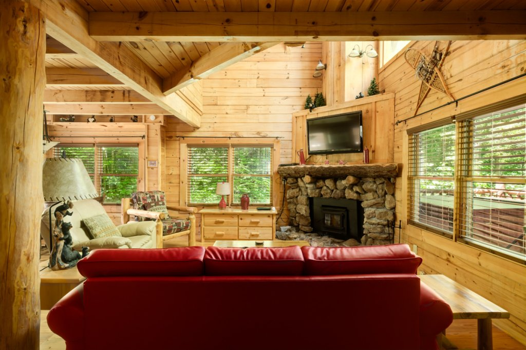 Photo of a Sevierville Cabin named In The Pines #13 - This is the third photo in the set.
