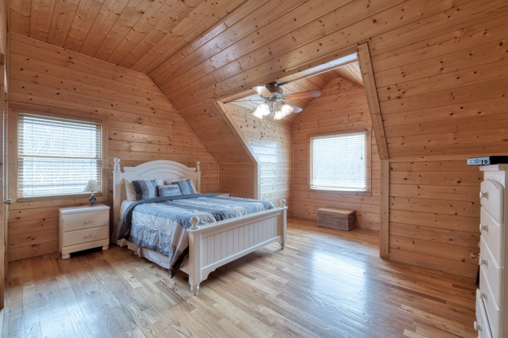 Photo of a Pigeon Forge Cabin named Country Living - This is the seventeenth photo in the set.