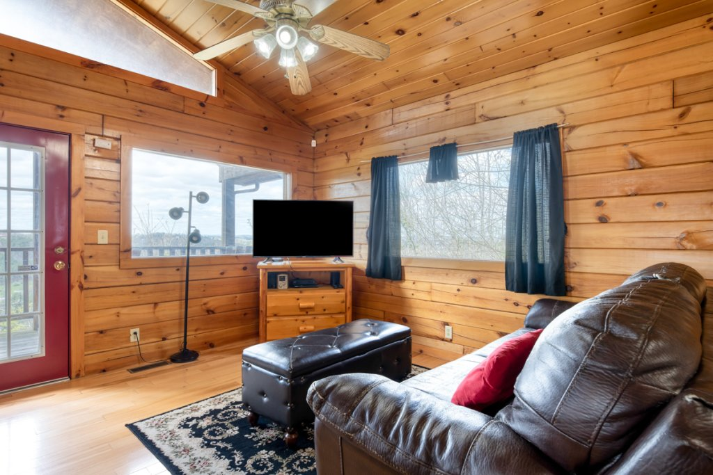 Photo of a Sevierville Cabin named Lucky Star - This is the sixth photo in the set.