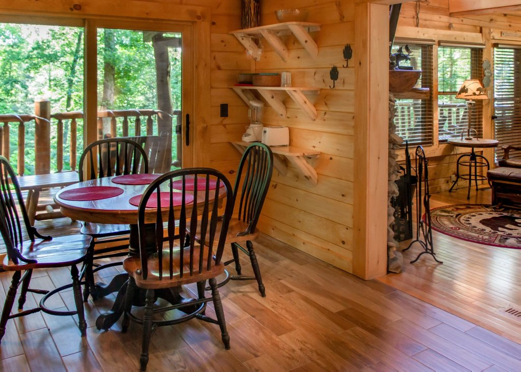 Photo of a Sevierville Cabin named Bearfoot Inn #35 - This is the seventh photo in the set.