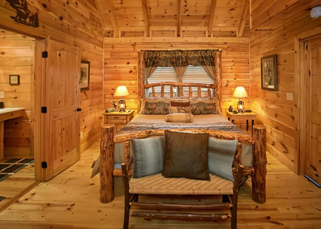 Photo of a Sevierville Cabin named Lovers Loft #62 - This is the seventh photo in the set.