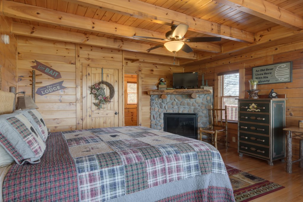 Photo of a Sevierville Cabin named Highland Lodge 61 - This is the twelfth photo in the set.