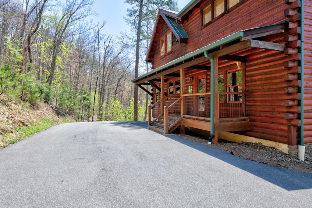 Photo of a Sevierville Cabin named Highland Lodge 61 - This is the forty-first photo in the set.