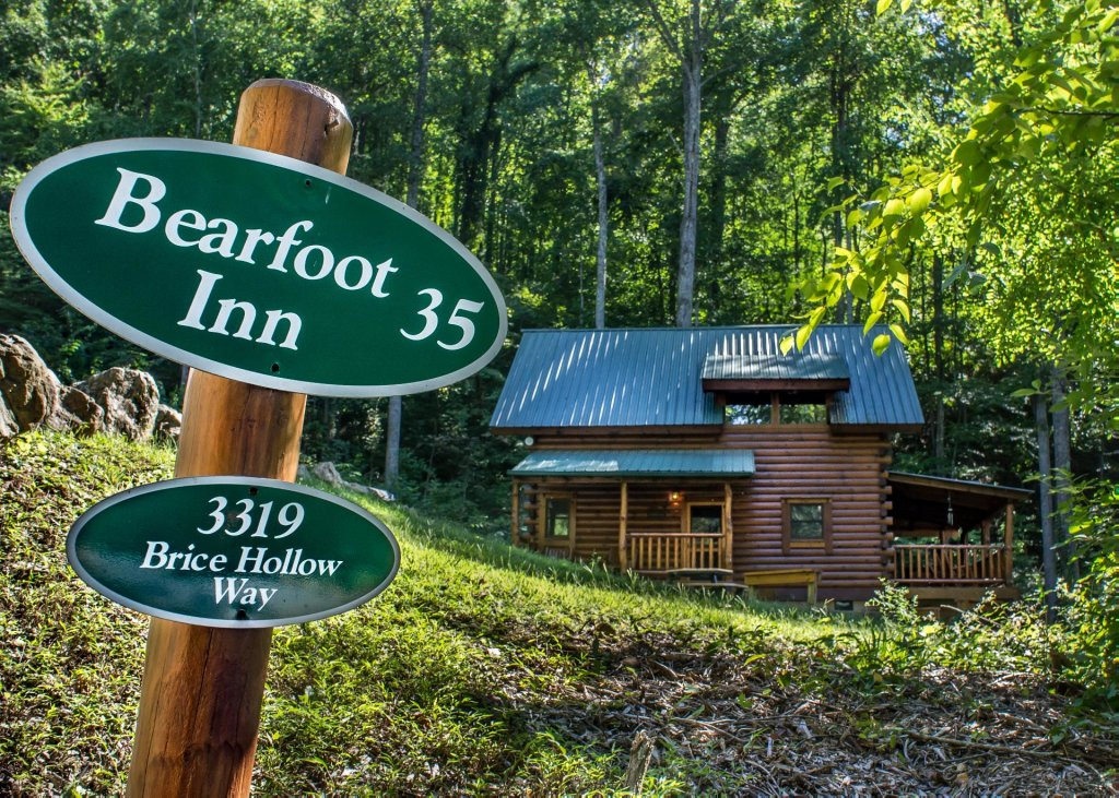 Photo of a Sevierville Cabin named Bearfoot Inn #35 - This is the twenty-eighth photo in the set.