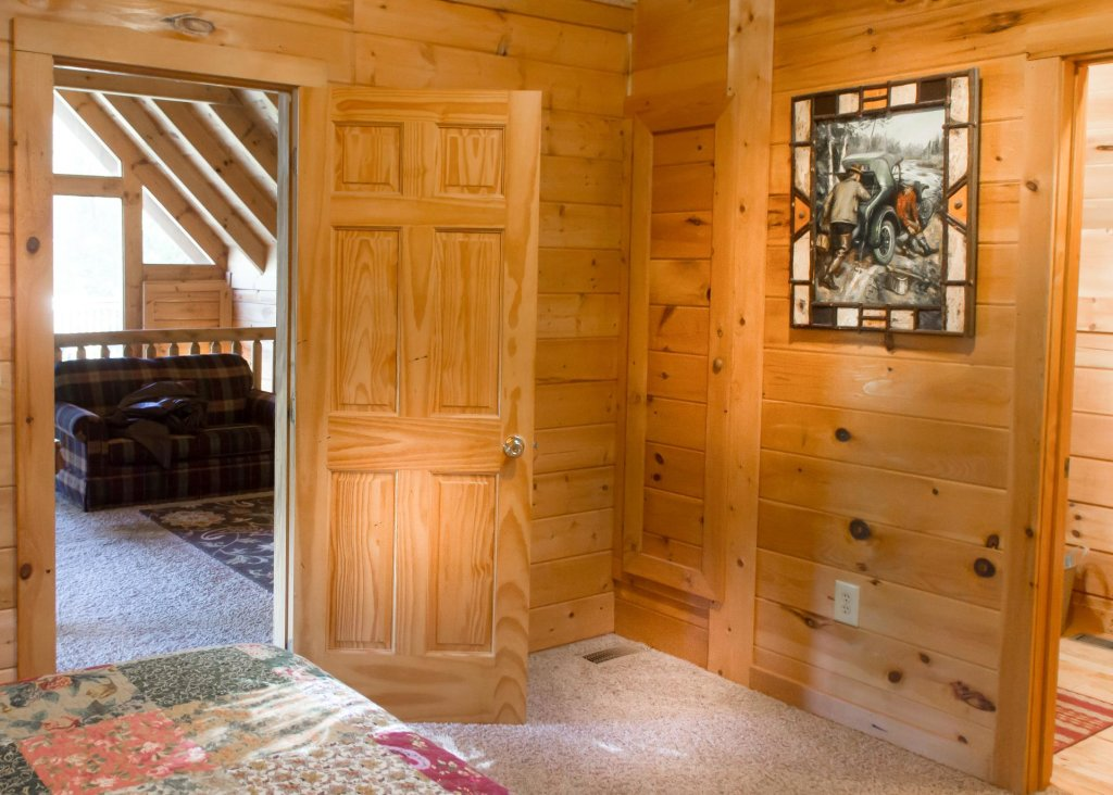 Photo of a Sevierville Cabin named Mountain Dreams #24 - This is the sixteenth photo in the set.