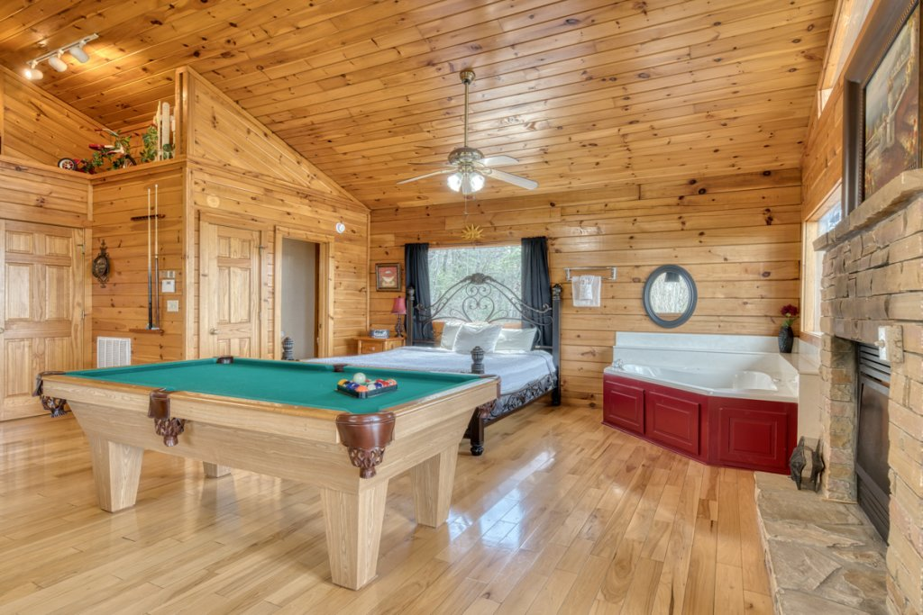 Photo of a Sevierville Cabin named Lucky Star - This is the twelfth photo in the set.