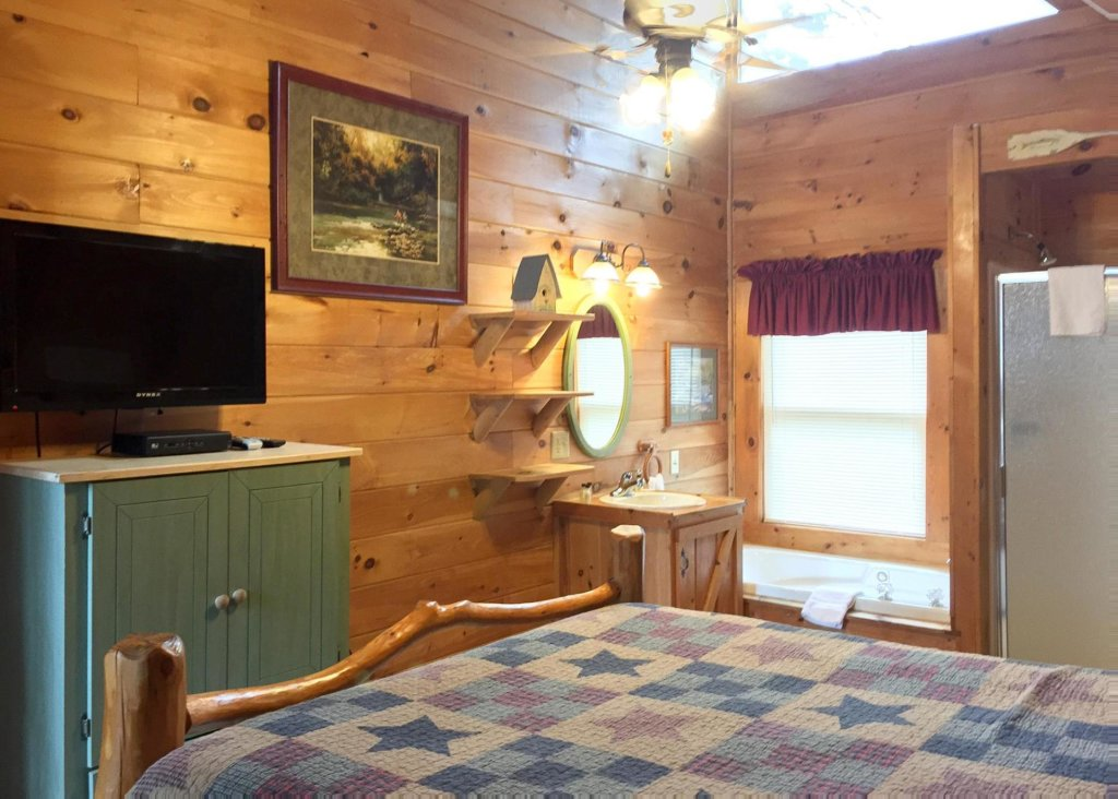 Photo of a Sevierville Cabin named Good Times 34 - This is the sixth photo in the set.