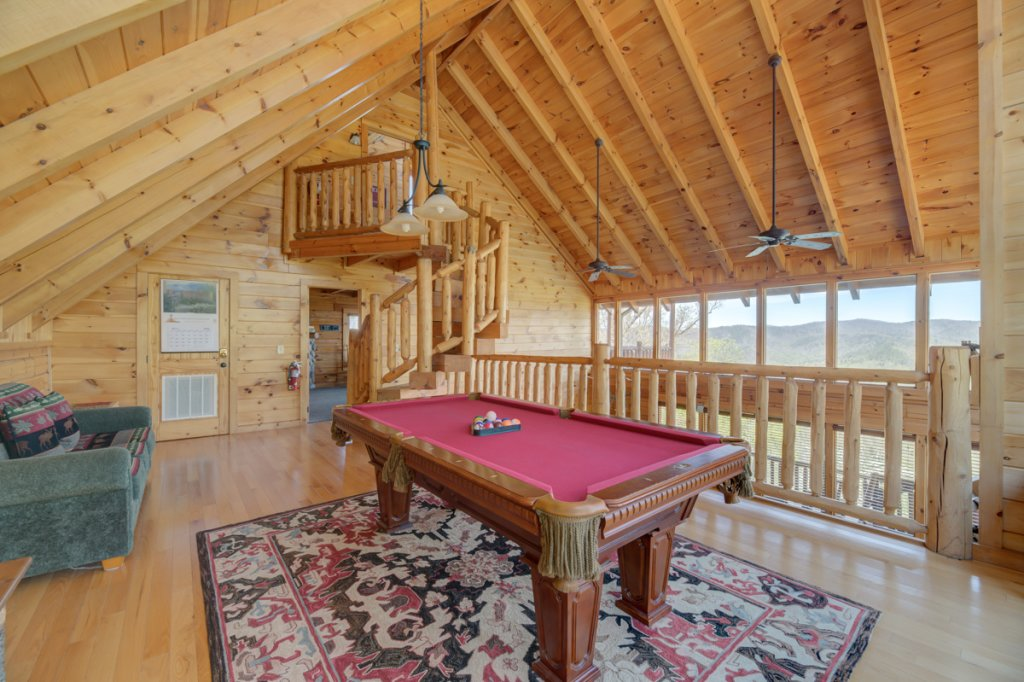 Photo of a Sevierville Cabin named Highland Lodge 61 - This is the twenty-eighth photo in the set.
